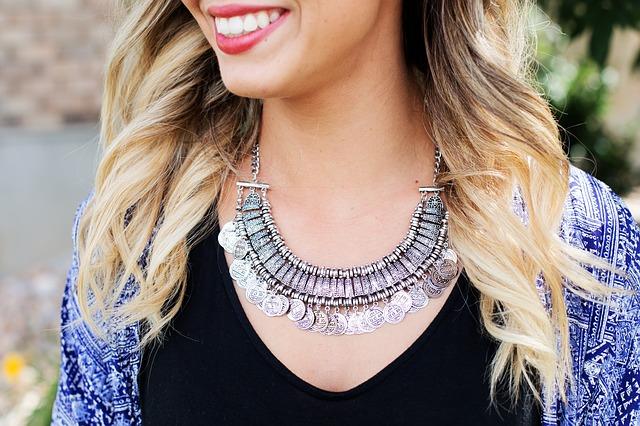 Handla smycken online här